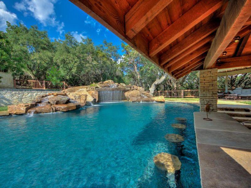 Swim up bar featured in this custom San Antonio Poolscape.